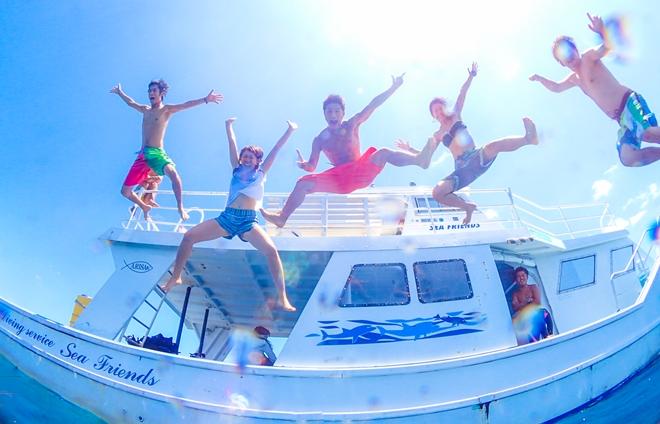 石垣島大型ダイビングボート